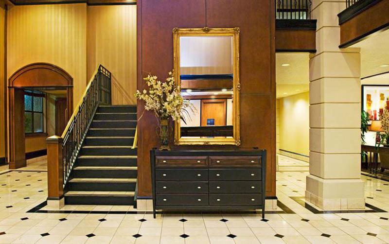 10-Lobby.jpg