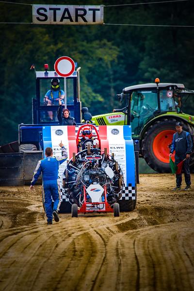 Tractor Pulling 2015-02370.jpg