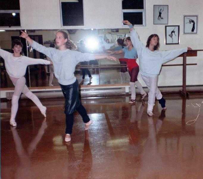 Dance_2695_a.jpg