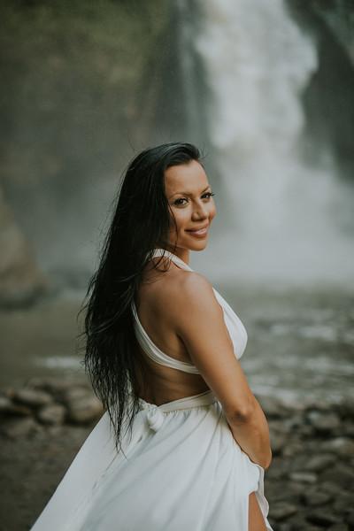 VTV_family_photoshoot_with_waterfall_Bali (78).jpg