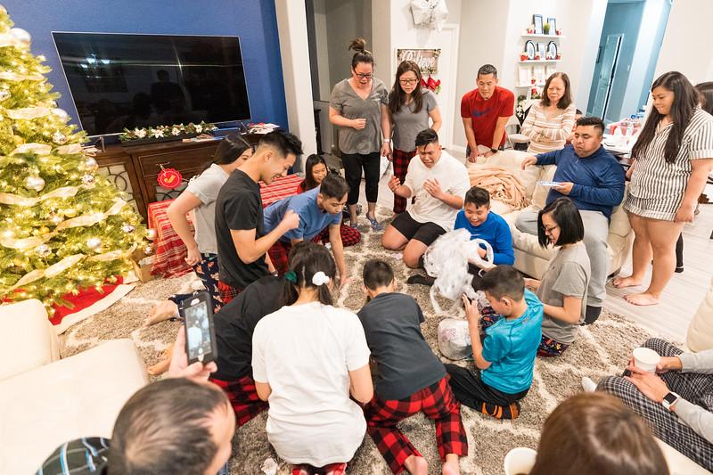 20191225_christmas-ho-family_069.jpg
