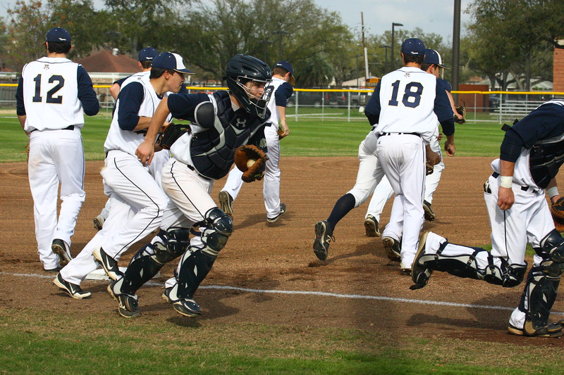 \\hcadmin\d$\Faculty\Home\slyons\HC Photo Folders\HC Baseball vs SCC_1st Home Game_2_12\6W2Y8920.JPG