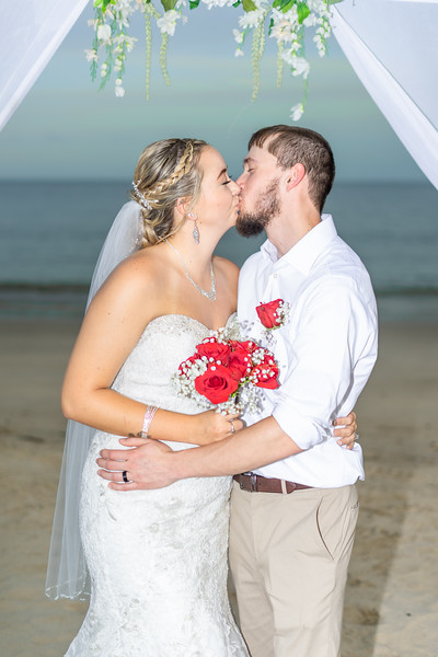 VBWC BEIL 09042019 Buckroe Beach Wedding Image #68 (C) Robert Hamm.jpg