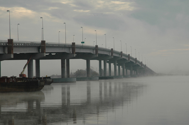10/22/2006 - Bridge to West Point in the fog