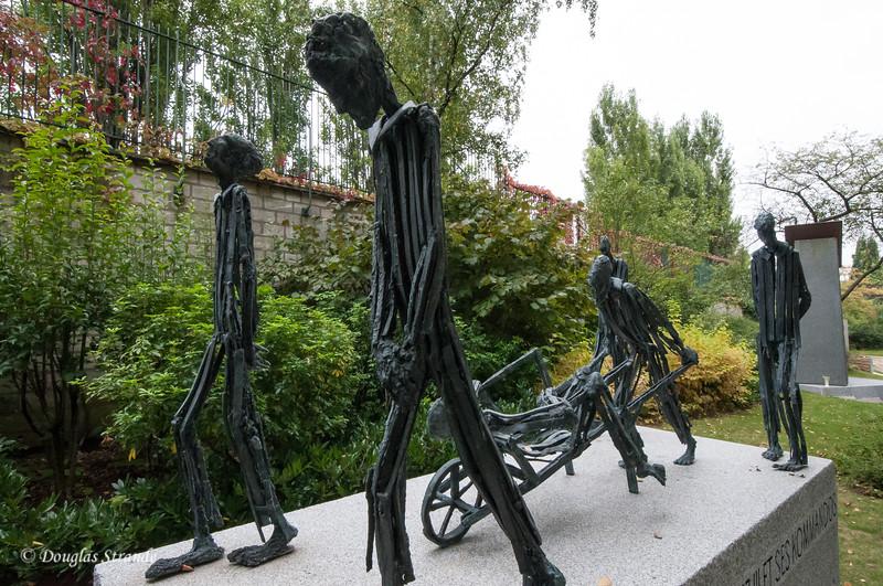 Pere Lachaise cemetary: Auschwitz memorial