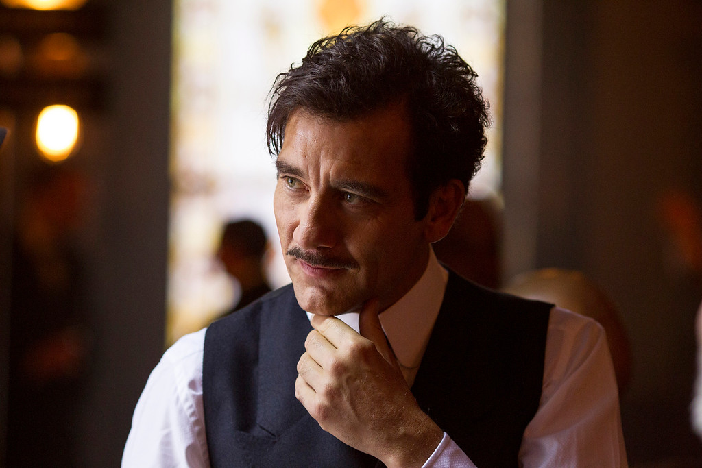 """. In this image released by HBO,  Clive Owen appears in a scene from \""""The Knick.\"""" Owen was nominated for a Golden Globe for best actor in a drama series for his role on the show on Thursday, Dec. 11, 2014. The 72nd annual Golden Globe awards will air on NBC on Sunday, Jan. 11. (AP Photo/HBO, Mary Cybulski)"""