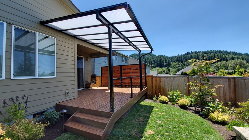 Armadillo Composite Decking with Acrilyte Cover and Cable Railing