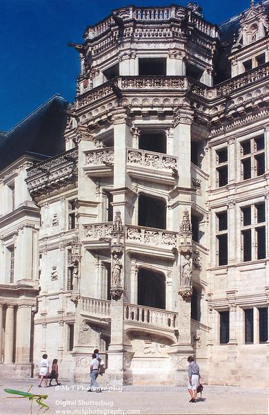 Escalier - staircase, details Chateau de Blois France - Jul 1996