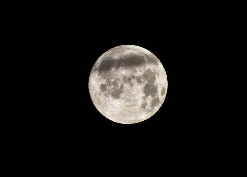 NEA_1128-7x5-Moon.jpg