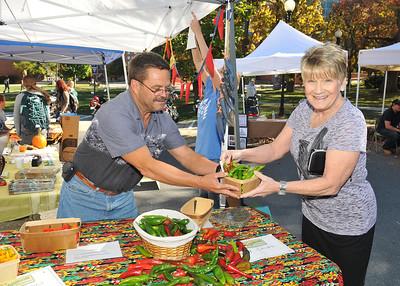 Farmers Market 10-25
