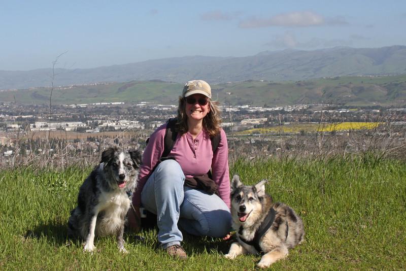 Boost, Ellen, Tika on Vista Loop overlooking San Jose.