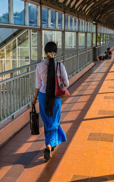 Strolling in Yangong