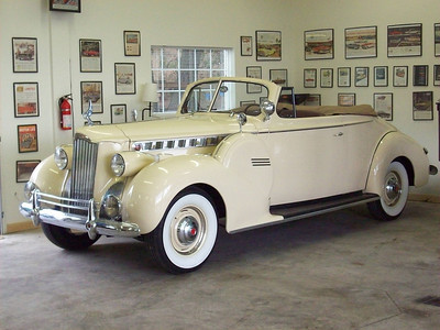 1940 Packard Super Convertible Coupe