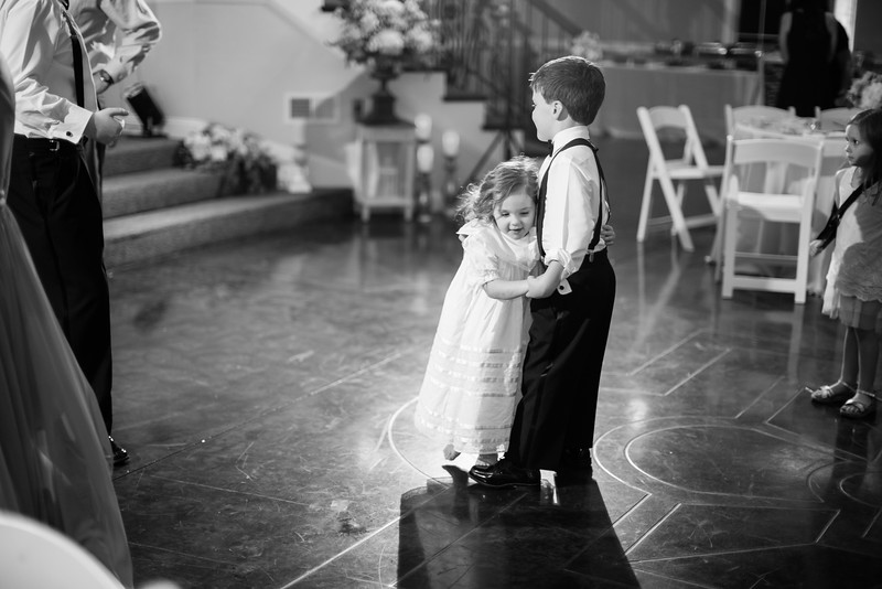 0988_Josh+Lindsey_WeddingBW.jpg