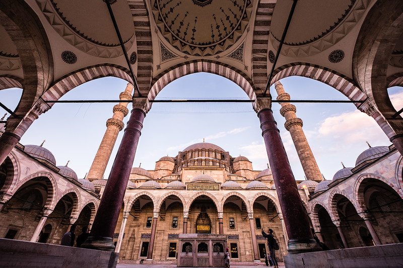 Genevieve Hathaway_Turkey_Istanbul_suleymaniye mosque.jpg