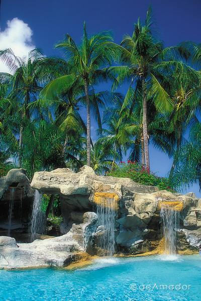 pool-cascadas fullamadorcomm©LOW