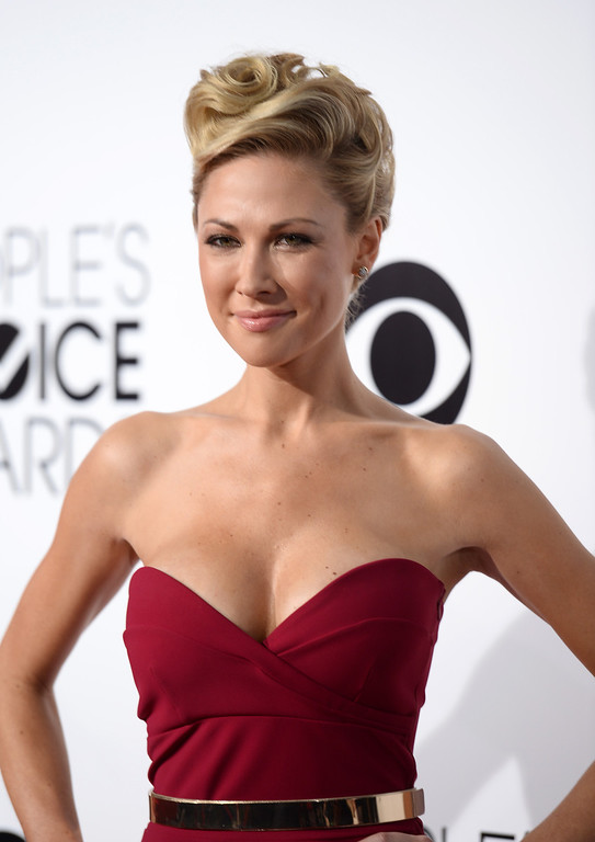 . LOS ANGELES, CA - JANUARY 08:  Actress Desi Lydic attends The 40th Annual People\'s Choice Awards at Nokia Theatre L.A. Live on January 8, 2014 in Los Angeles, California.  (Photo by Frazer Harrison/Getty Images for The People\'s Choice Awards)