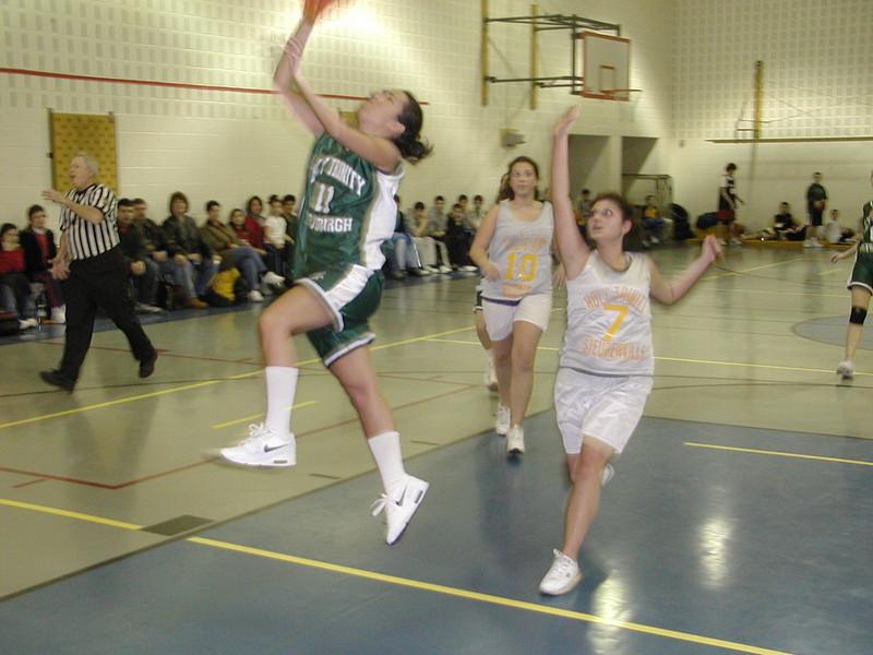 2003-02-21-Holy-Cross-Bball-Tournament_031.jpg