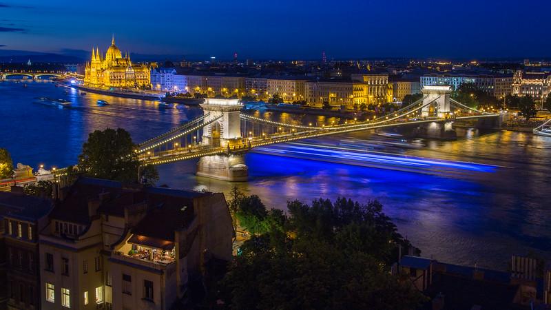 Blue lighttrails under Chain Bridge corrected