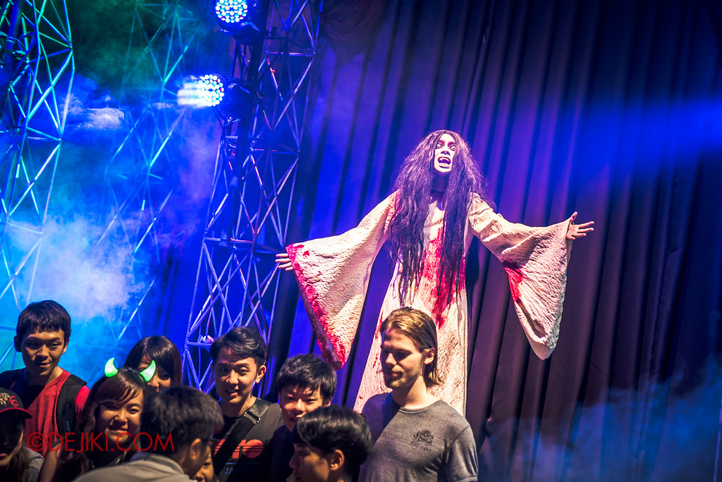 Halloween Horror Nights 6 - Opening Scaremony / Pontianak Meet at Greet at Icon Stage