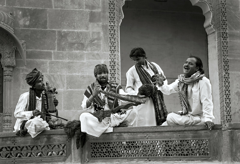Rajasthan has a diverse collection of musician castes, including langas, sapera, bhopa, jogi and Manganiar. There are two traditional classes of musicians: the Langas, who stuck mostly exclusively to Muslim audiences and styles, and the Manganiars, who had a more liberal approach.