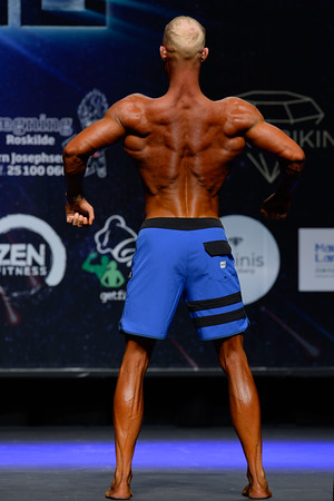 Novice Mens Physique Over 182