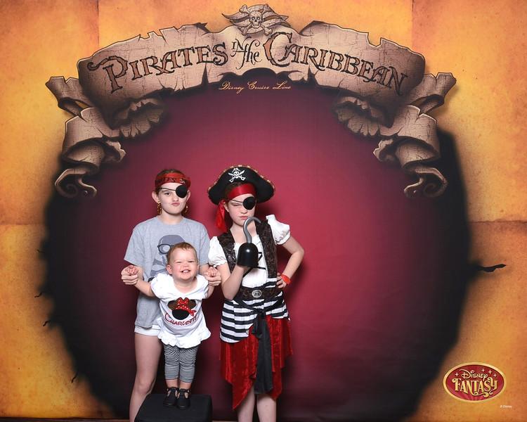 403-124159626-C Pirate In The Caribbean 3 MS-49619_GPR.jpg