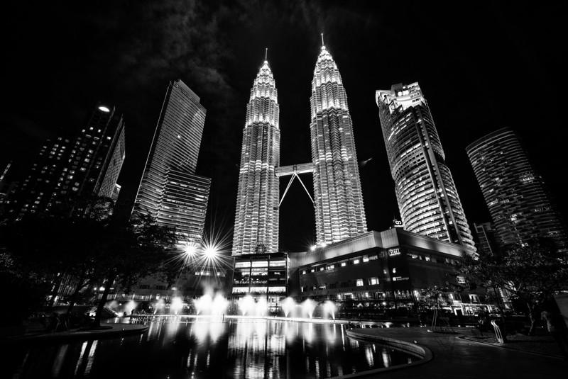 Monochrome Petronas.jpg