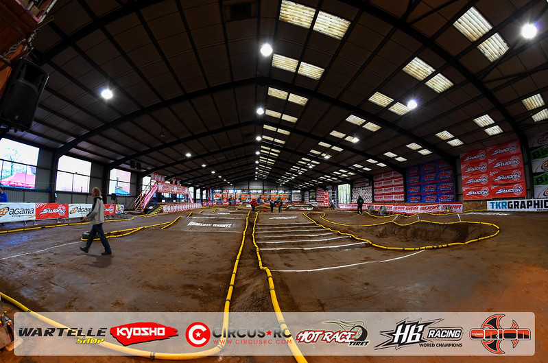 neo race track pits4.jpg
