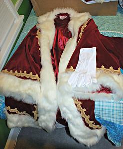 2013 11 01: Santa Clothing