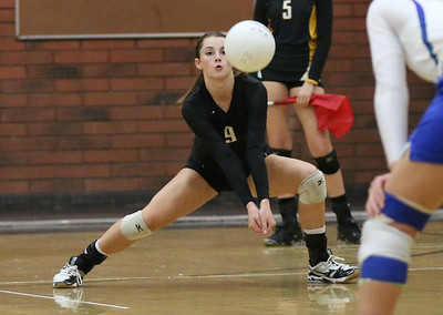 2014 Gilbert Girls Volleyball vs Xavier College Prep Gators 9-23-14