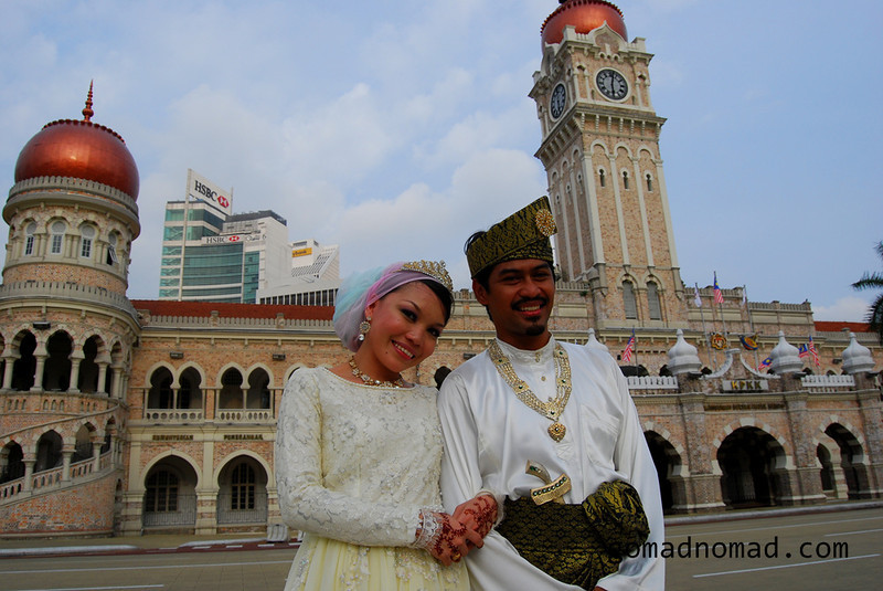 newly married couple in Kuala Lumpur gomad nomad.jpg
