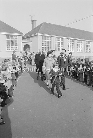 Mayor Frank Buckingham at Southcourt Infants School, Oct 26th 1973