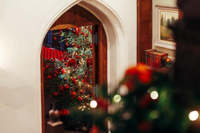 Mike Maney_Heritage Conservancy Christmas at Aldie 2018-34.jpg