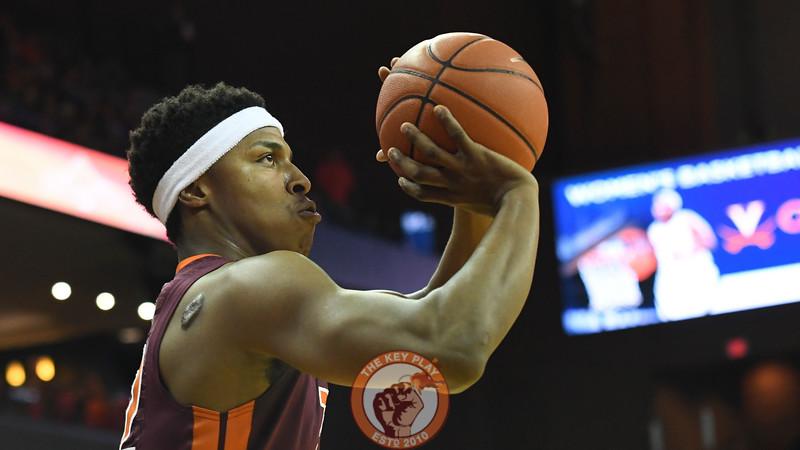 Virginia Tech Hokies forward Zach LeDay (32) shoots an ill-advised three pointer. (Michael Shroyer/ TheKeyPlay.com)
