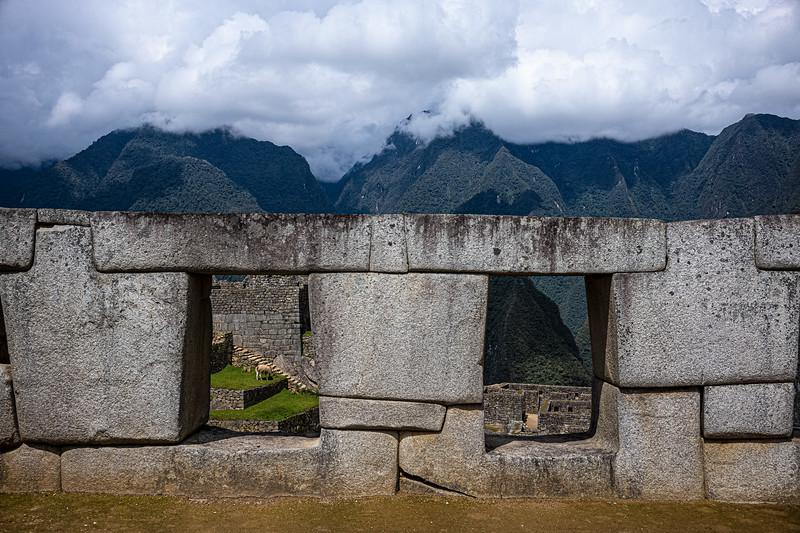 windows & wall Machu Picchu.jpg
