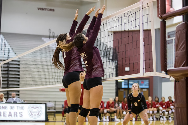 08-22-2019 Volleyball vs LN
