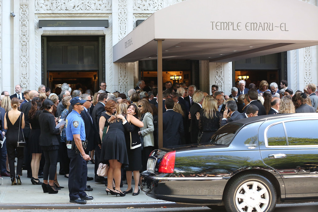 . Atmosphere at the Joan Rivers memorial service at Temple Emanu-El on September 7, 2014 in New York City.  (Photo by Taylor Hill/Getty Images)