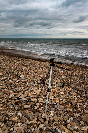 Beginner's guide to choosing the best budget tripod for a DSLR camera.