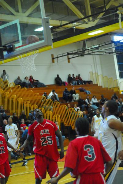20090301_MCC Basketball_5703.JPG