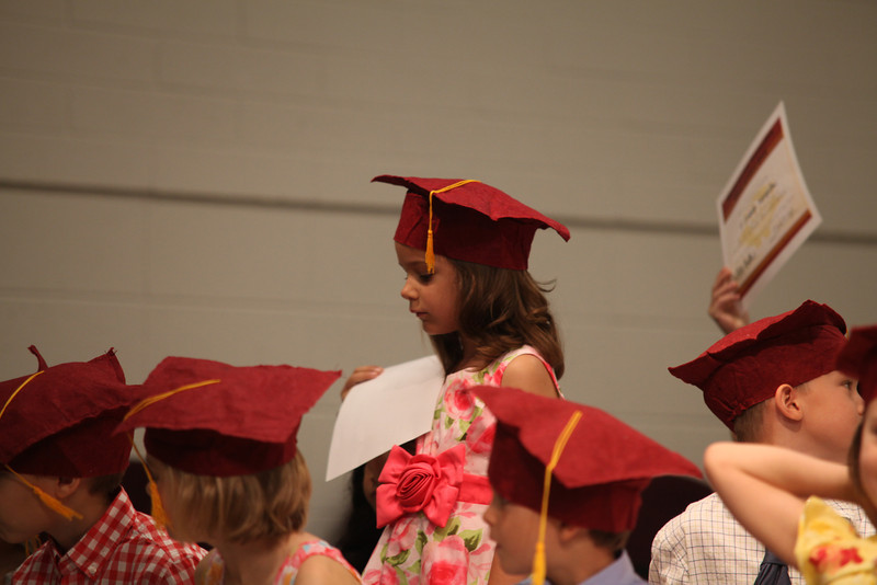 2012May18_MTA Kinder Grad_9769.JPG