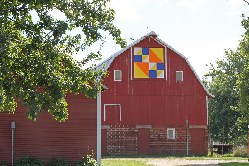 Grundy County Quilt Barns