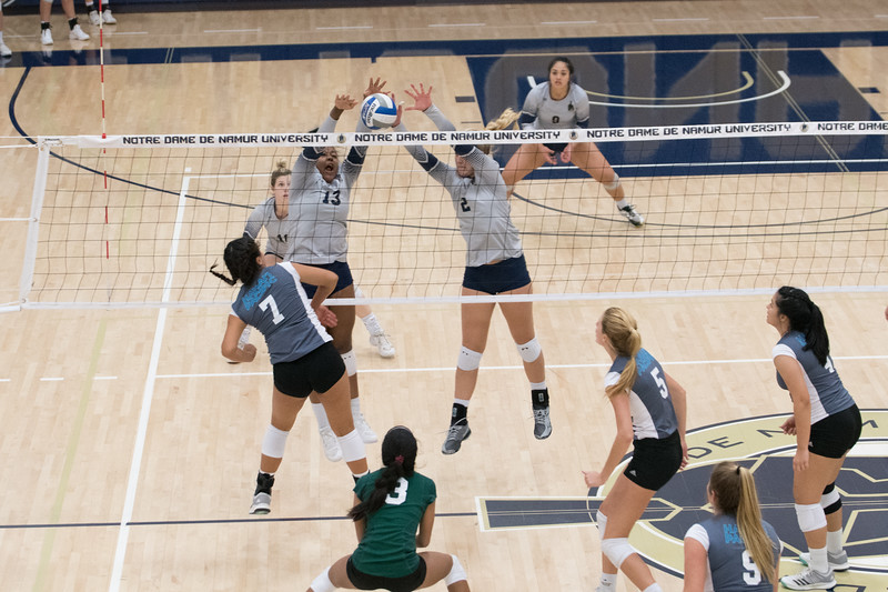 HPU Volleyball-92608.jpg