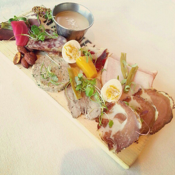 Gorgeous_charcuterie_plate_from__ravinevineyard_the_tongue_is_my_favourite__icewinefest (1).jpg
