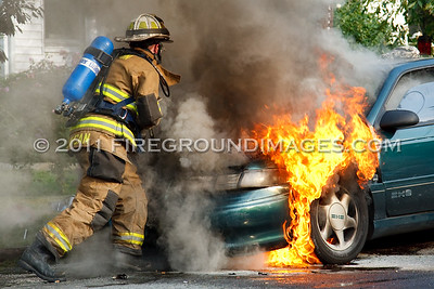 Forest Ave. Car Fire (Shelton, CT) 8/19/11