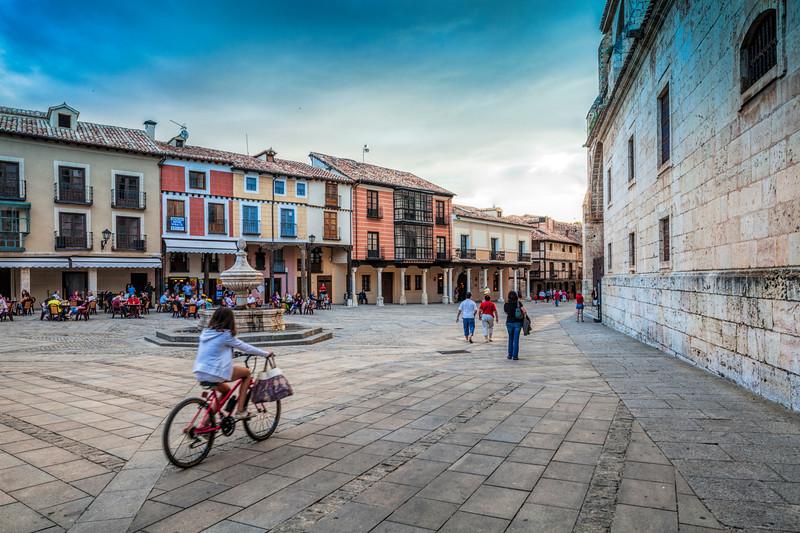 Plaza de la Catedral (Cathedral Square), El Burgo de Osma, Soria, Spain.