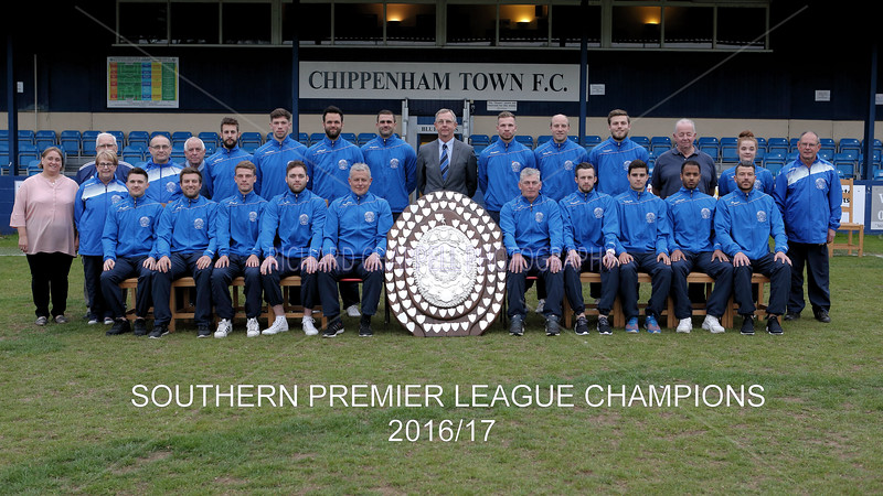 CHIPPENHAM TOWN FOOTBALL CLUB TEAM WITH TROPHY 2016-17