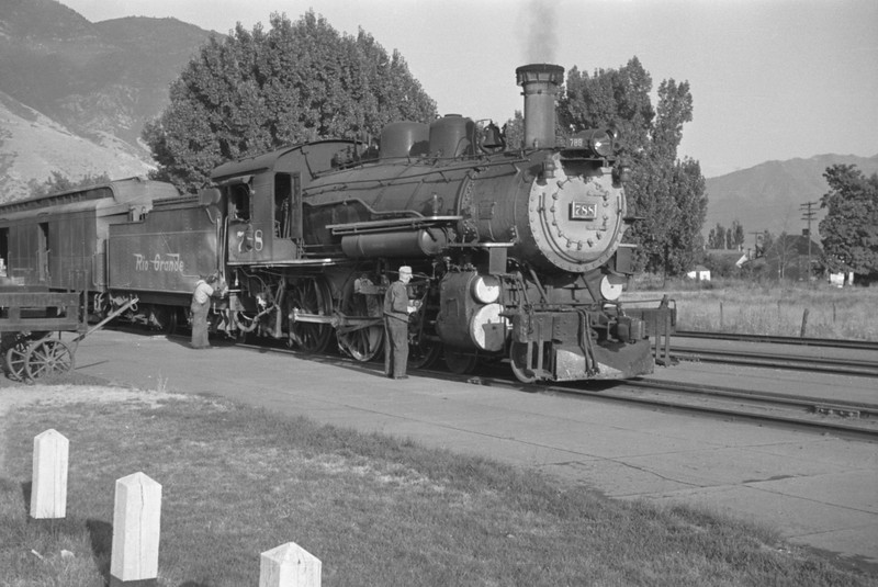 D&RGW_4-6-0_788-with-train_Provo_1947_006_Emil-Albrecht-photo-0254-rescan.jpg