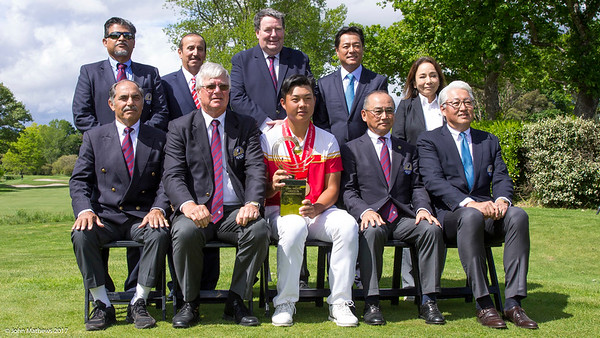 Members of the Asia-Pacific Golf Confederation together with Yuxin Lin from China and his trophy after winning the  Asia-Pacific Amateur Championship tournament 2017 held at Royal Wellington Golf Club, in Heretaunga, Upper Hutt, New Zealand from 26 - 29 October 2017. Copyright John Mathews 2017.   www.megasportmedia.co.nz