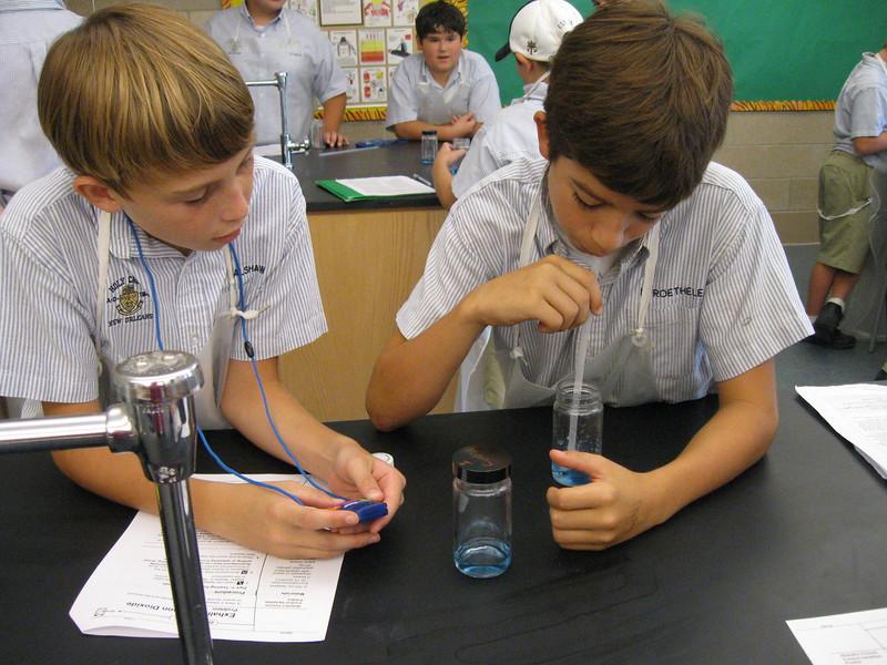 \\hcadmin\d$\Faculty\Home\slyons\HC Photo Folders\7th Gr_Exhaling Carbon Dioxide Lab_2011\IMG_1087.JPG